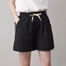 Carphanie卡芬妮 輕薄透氣條紋棉麻休閒三分短褲-5色