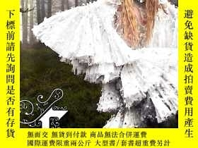 二手書博民逛書店Fairy罕見Tale Fashion .Colleen HillY421508 Colleen Hill 美