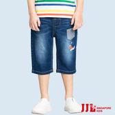 JJLKIDS 男童 造型口袋徽章刷白牛仔六分褲(牛仔藍)