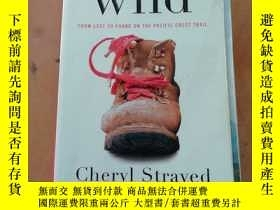 二手書博民逛書店Wild:罕見From Lost to Found on the Pacific Crest Trail (Vin