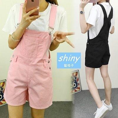 【V0980】shiny藍格子-休閒美搭.胸前口袋造型吊帶連身短褲