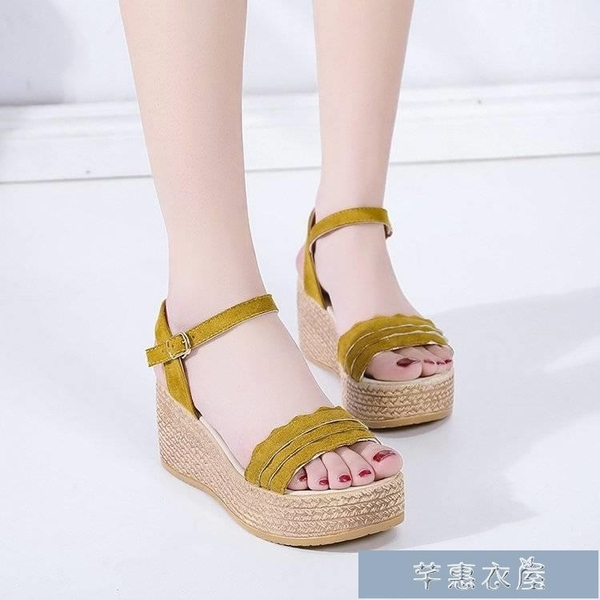 厚底涼鞋夏天女式涼鞋坡跟厚底鬆糕底女鞋簡約平底一字扣高跟絨面鞋子 快速出貨