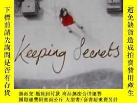 二手書博民逛書店英文原版罕見Keeping Secrets by Andrew