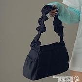 尼龍包 純色簡約尼龍抽褶設計手提包女2021春新款可愛復古法棍側背腋下包 曼慕