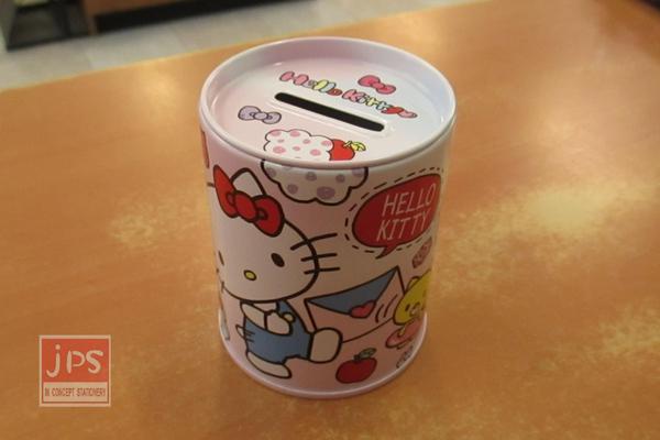 Hello Kitty 凱蒂貓 小圓存錢筒 共四款(糖果紅/書信桃/散步粉白/家族) 964760