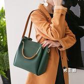 手提包 包包女新品女包水桶包潮正韓簡約百搭斜挎包手提包單肩包大包 全館免運