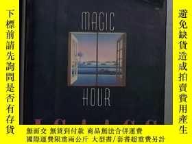 二手書博民逛書店英文原版罕見Magic Hour by Susan Isaac