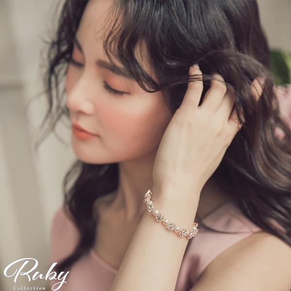 手環 韓國直送‧珍珠水鑽軟絲開口手環-Ruby s 露比午茶