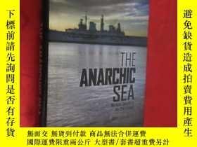 二手書博民逛書店The罕見Anarchic Sea: Maritime Secu