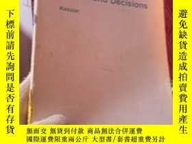 二手書博民逛書店CONTEMPORARY罕見ISSUES AND DECISIO