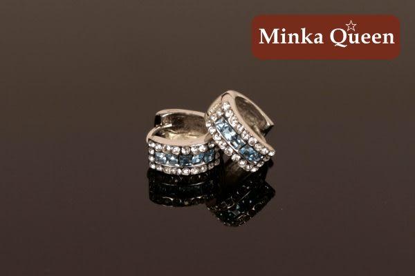 德國鈦鋼 淺藍三排滿鑽造型 精緻水鑽、鋯石抗敏易扣耳環(一對)(14 mm)