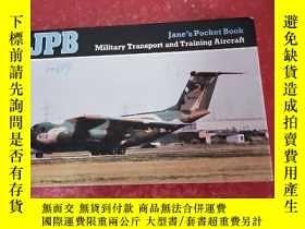 二手書博民逛書店Jane s罕見Pocket Book Military Transport and Training Aircr
