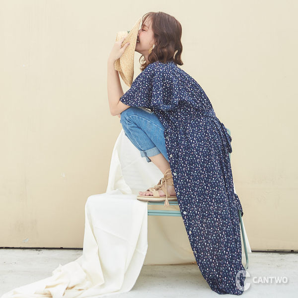 CANTWO鐘型波浪袖開襟洋裝-碎花
