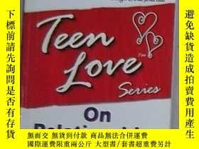 二手書博民逛書店英文原版罕見Teen Love, On Relationship