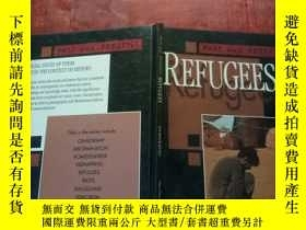 二手書博民逛書店PAST罕見AND PRESENT REFUGEESY316884