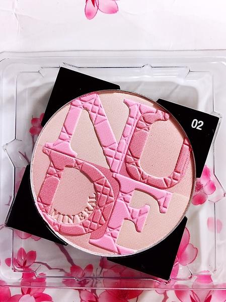 Dior迪奧輕透光礦物蜜粉餅 #02 (嬉遊淺粉) 明亮潤色蜜粉 ☆全新百貨專櫃貨