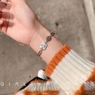 手錬 ins小眾設計手錬女學生韓版個性簡約冷淡風網紅復古宮廷鈦鋼手飾