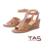 TAS 蝴蝶曲線寬繫帶楔型涼鞋-榛果卡其