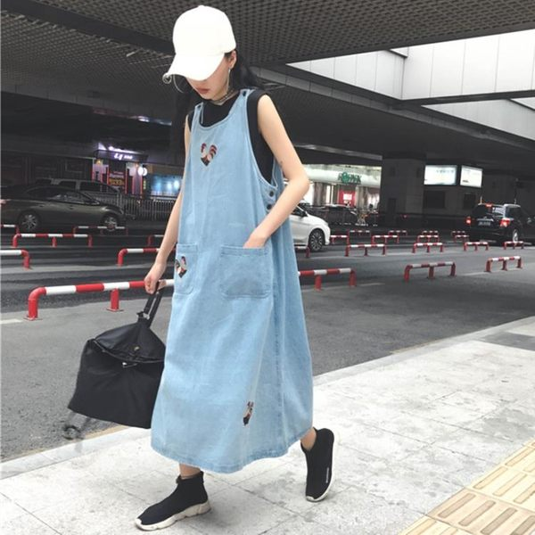 [超豐國際]夏裝原宿風中長款刺繡寬松做舊牛仔背心長裙顯瘦無袖1入