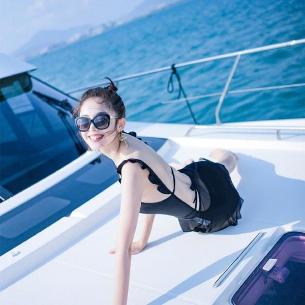 古力娜扎同款泳衣女溫泉度假黑色荷葉邊性感露背顯瘦遮肚游泳衣女 中秋降價