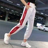 EASON SHOP(GU8525)實拍側邊撞色條紋字母印花雙口袋鬆緊腰抽繩綁帶運動褲女高腰九分直筒長褲休閒褲