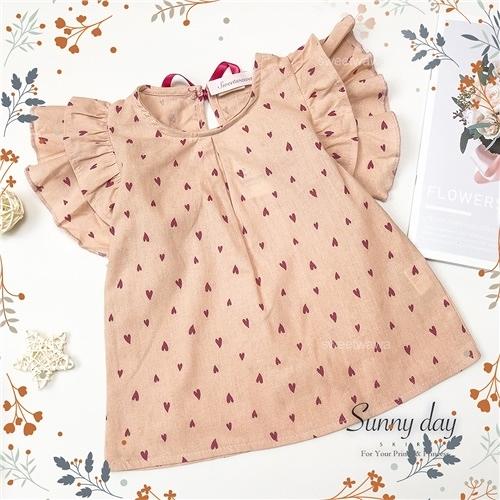 甜心滿版愛心荷葉蓋袖棉麻短袖上衣(310467)【水娃娃時尚童裝】