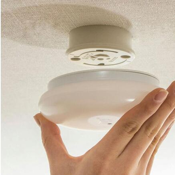 [COSCO代購] W127089 Iris 感應式LED小型吸頂燈白光 - 900流明 - 直徑16CM