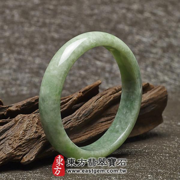 豆種手鐲、豆種玉鐲、豆種翡翠手鐲(淺綠色玉鐲手鐲,些微透光,圓鐲18.5,BE007)