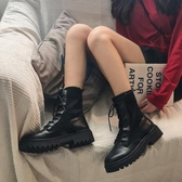 短靴 馬丁靴女ins秋季新款鞋子網紅百搭英倫風增高黑色短靴瘦瘦潮 (快速出貨)