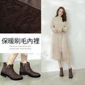 Ann'S均衡甜美模樣-帥氣小V缺口金釦帶短靴 -咖