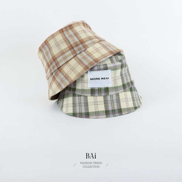 彩格紋英字布標漁夫帽子-BAi白媽媽【316155】