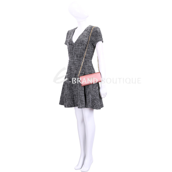 PRADA Saffiano 金屬色防刮牛皮鍊帶長夾/肩背包(香檳粉) 1910168-05