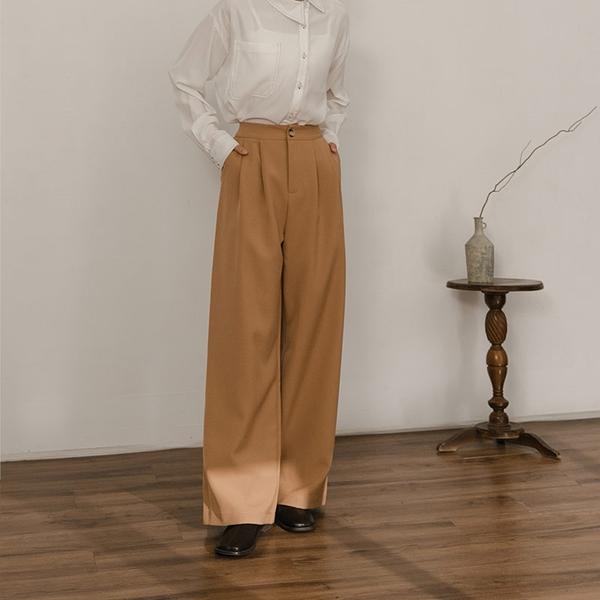 Queen Shop【04030271】基本純色打褶修身寬褲 三色售 S/M/L*現+預*