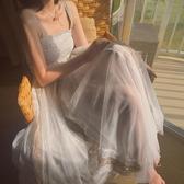 夏裝新款性感露肩冷淡風仙女氣質吊帶連身裙中長款chic網紗裙