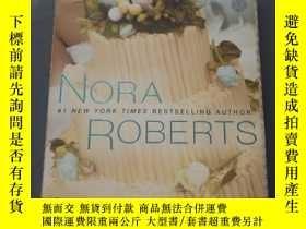 二手書博民逛書店Savor罕見the Moment(Roberts, Nora)