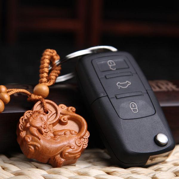 咬錢貔貅桃木鑰匙圈 PMK34