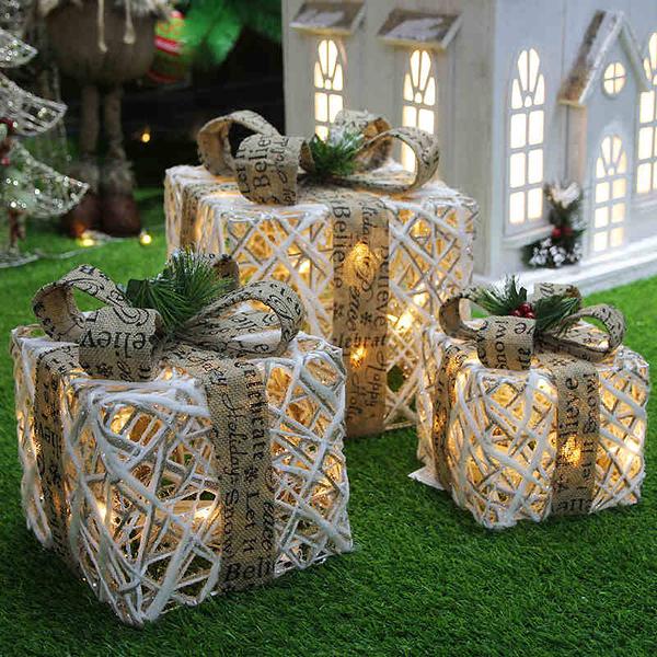 聖誕裝飾 聖誕裝飾品聖誕樹堆頭發光鐵藝禮盒三件套商場酒店櫥窗擺件禮物盒