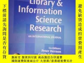 二手書博民逛書店Library罕見& Information Science R