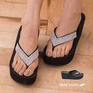 [Here Shoes]2色 楔型高跟V型鑲鑽絨布質感 防水台前3CM後7CM 人字 夾腳拖鞋 ◆MIT台灣製─KI589