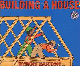 【麥克書店】BUILDING A HOUSE /單繪本