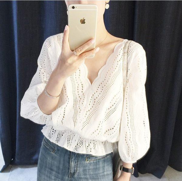 韓系蕾絲鏤空V領上衣T恤25256/新款白色氣質V領荷葉邊收腰七分袖娃娃襯衫胖胖唯依