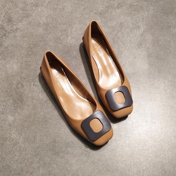 方頭單鞋粗跟女淺口低跟復古平底奶奶鞋方扣小皮鞋工作鞋黑色  伊衫風尚