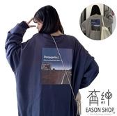 EASON SHOP(GW8673)實拍撞色字母卡通風景圖印花落肩寬鬆長袖素色棉T恤裙女大尺碼OVERSIZE寬版內搭