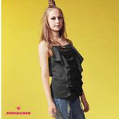 【SHOWCASE】個性撞色肩帶荷葉垂墜造型上衣(黑)