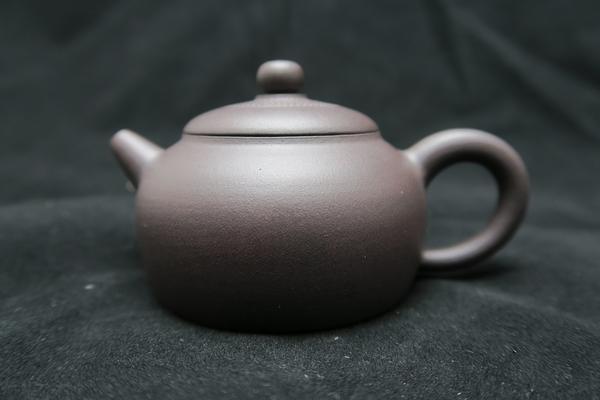 5 伴月 宜興紫砂 (適合半發酵或重發酵茶葉,如烏龍,高山茶,鐵觀音,東方美人,老茶等)
