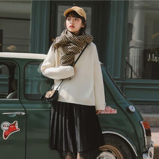 白色半高领加厚毛衣女秋冬外穿2020年慵懒温柔风打底宽松内搭上衣
