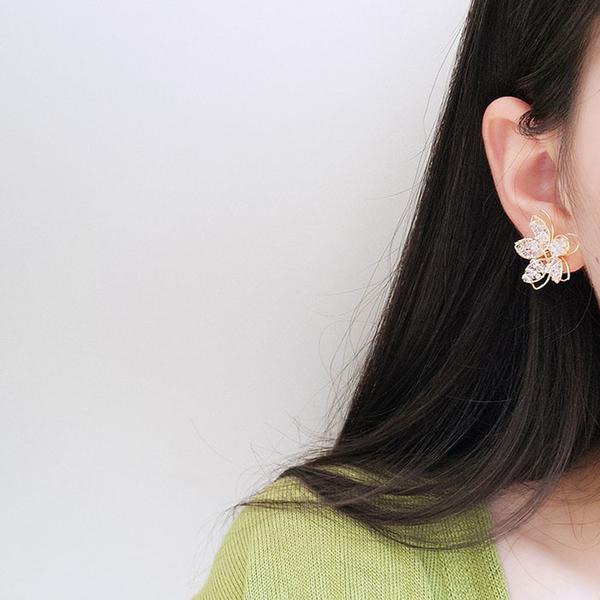 耳環 鏤空 花朵 立體 水晶 串珠 氣質 甜美 耳釘 耳環【DD1906121】 BOBI  07/25