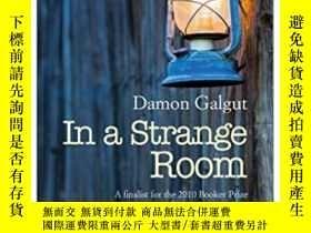 二手書博民逛書店In罕見A Strange RoomY364682 Damon Galgut Europa Editions