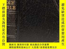 二手書博民逛書店THE罕見HOLY BIBLE CONTAINING THE OLD AND NEW TESTAMENTS 三面刷