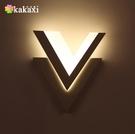 壁燈 現代簡約LED時尚個性V形創意亞克力LED走廊家居 - 古梵希